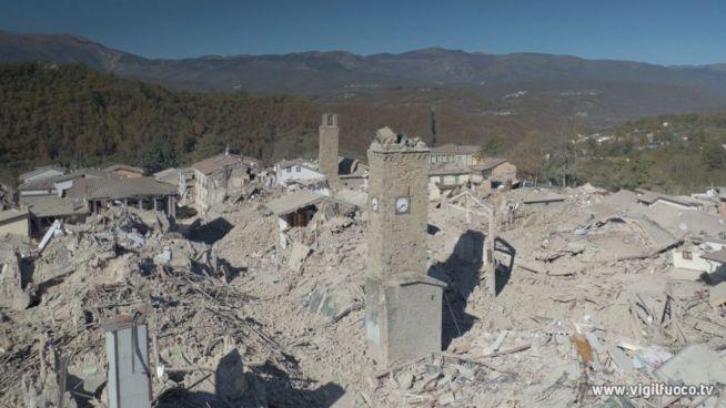 Schweres Beben in Italien: Zehntausende obdachlos
