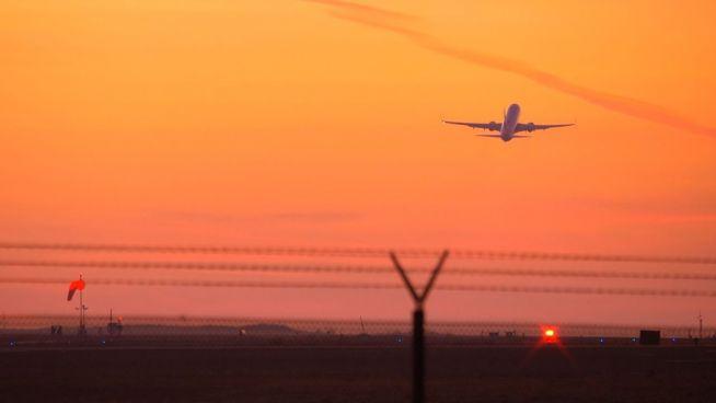 Treibstoff aus Abfall: So soll fliegen grüner werden